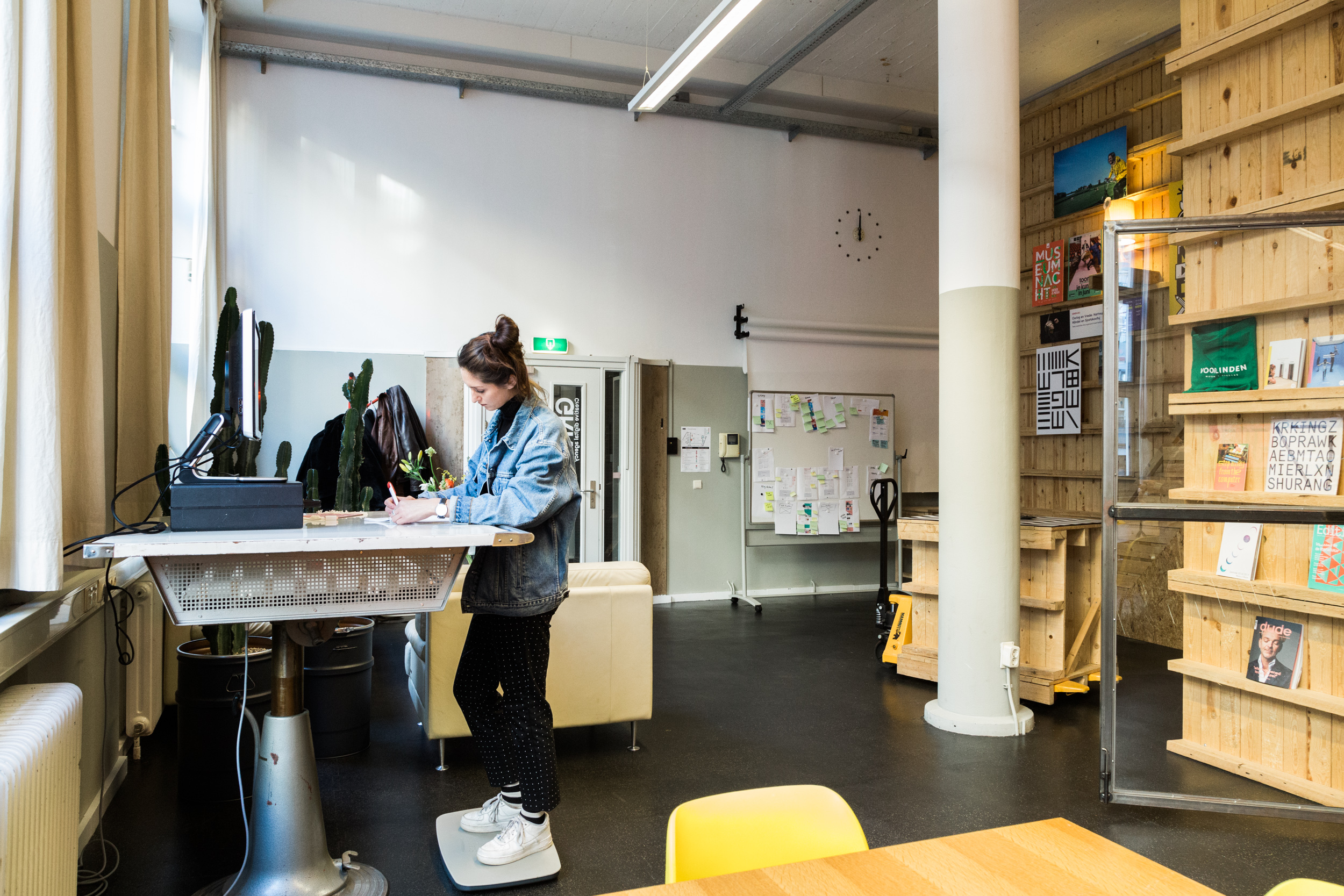 Grrr-Amsterdam-kantoor-staandesk
