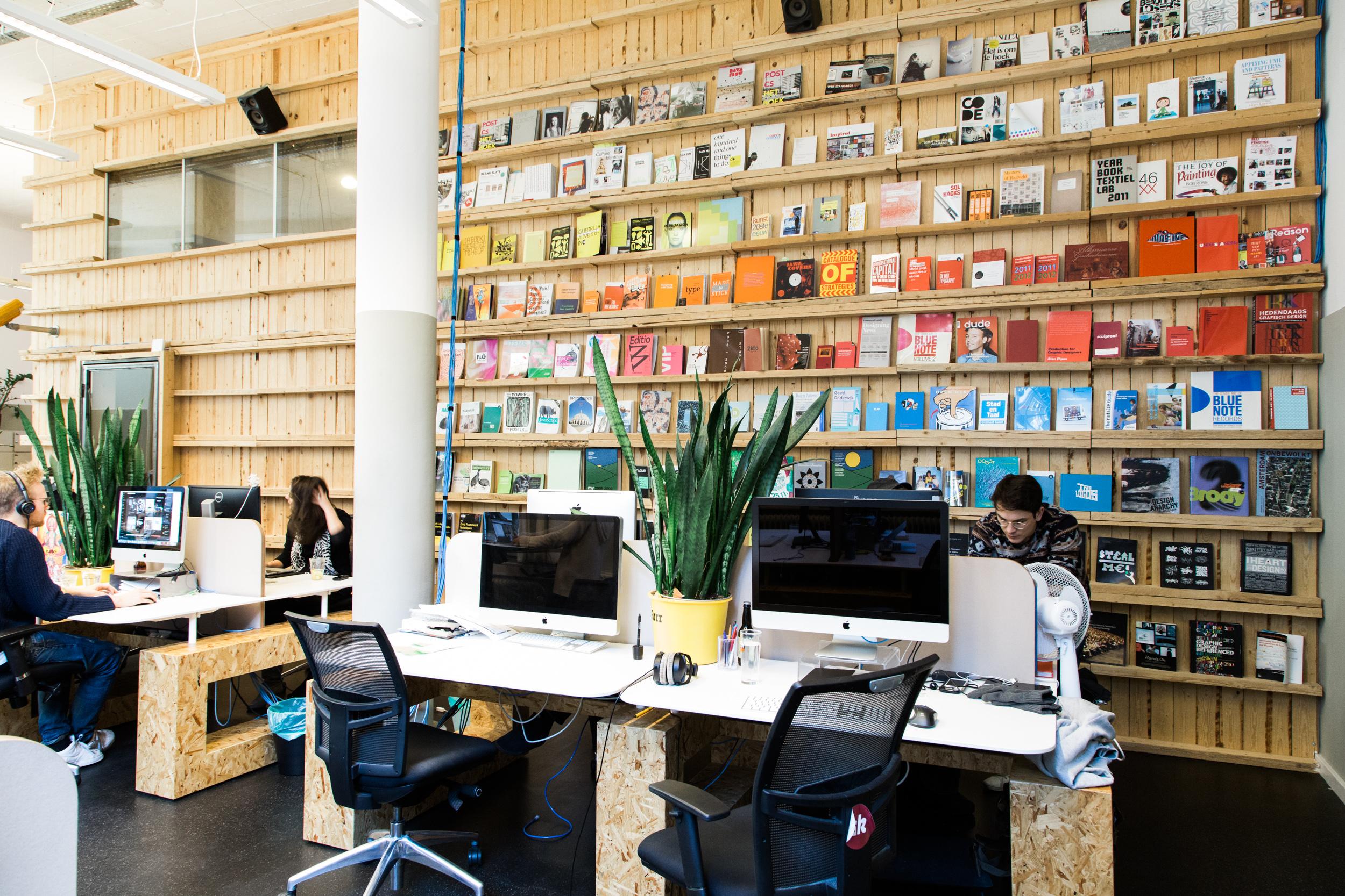 Grrr-Amsterdam-kantoor-boeken