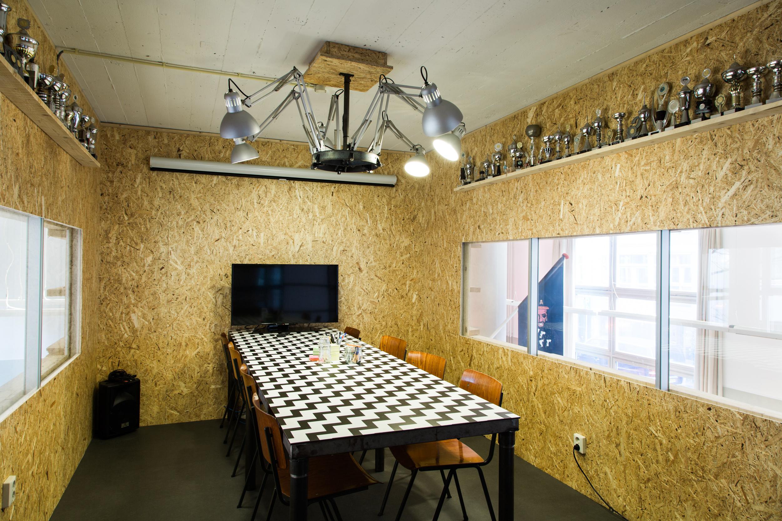 Grrr-Amsterdam-kantoor-vergaderruimte
