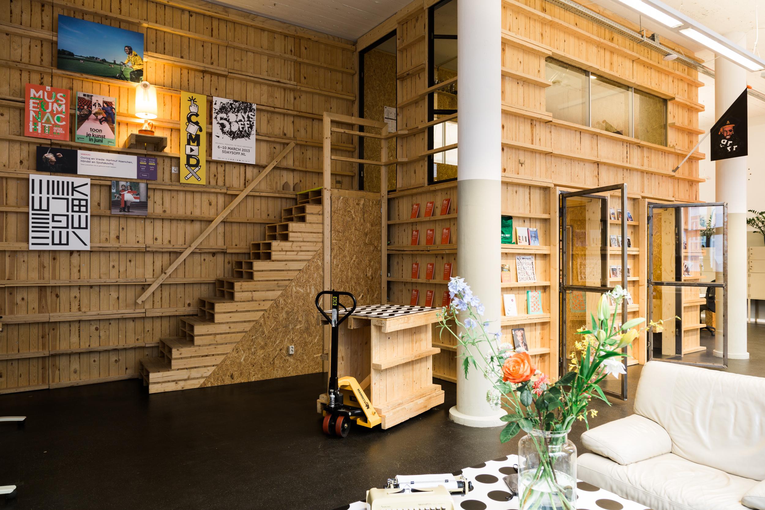 Grrr-Amsterdam-kantoor-pallets