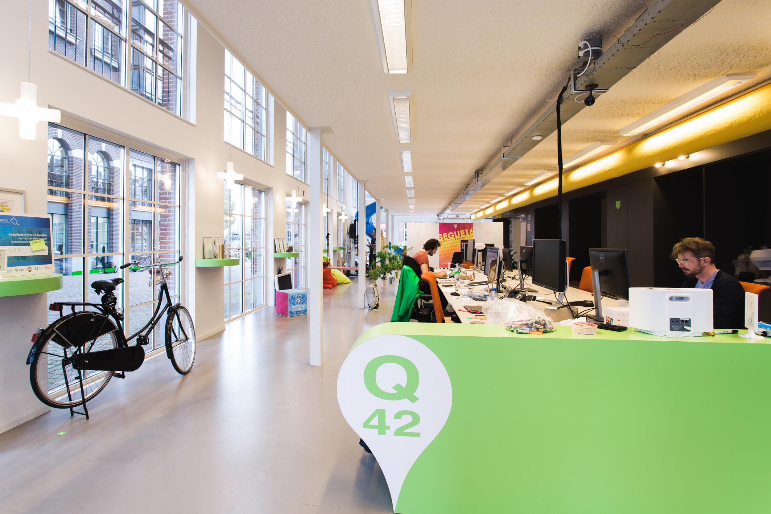 De mooiste kantoren van nederland q42 vance for Melchior interieur den haag