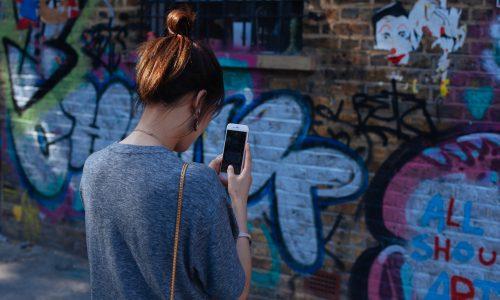 We zijn niet los te weken van onze smartphone en dat vreet aan onze creativiteit
