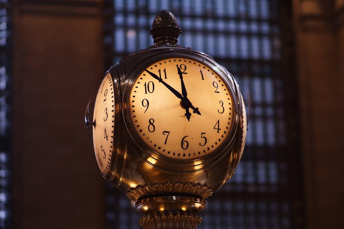 klok-op-tijd-naar-huis