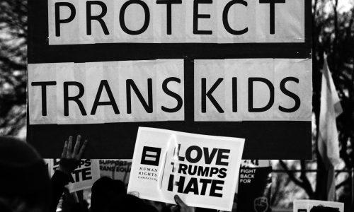 Trump schaft definitief toiletregels af voor transgenders