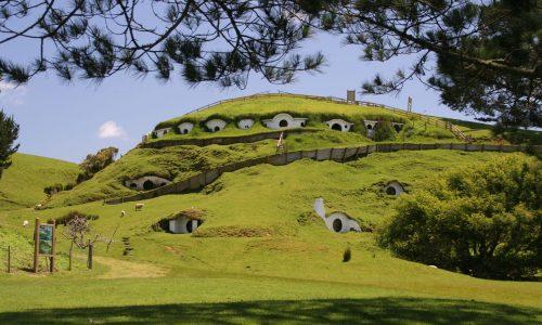 Lord of the Rings-cast speelt historische filmscenes na tijdens reünie