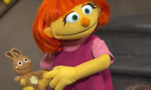 Sesamstraat heeft een nieuwe Muppet met autisme: Julia