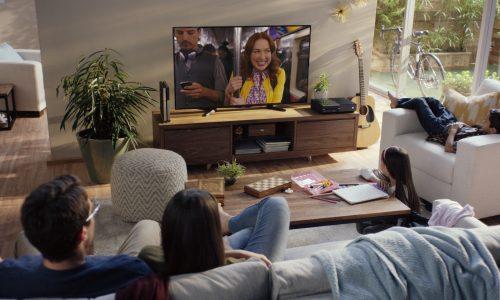 Netflix geeft app voor TV nieuw uiterlijk en start eigen radiozender voor comedy