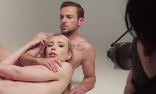 Transgendermodellen gaan met de billen bloot voor PETA bont campagne