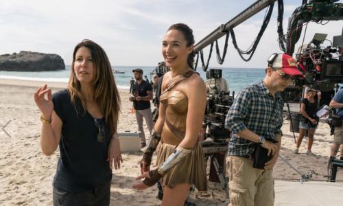 Patty Jenkins gaat aan het roer van Wonder Woman 2 wél zoveel verdienen als haar mannelijke collega's