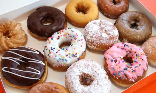 Heuglijk nieuws: Vanaf nu kun je overal in Amsterdam Dunkin' Donuts bestellen