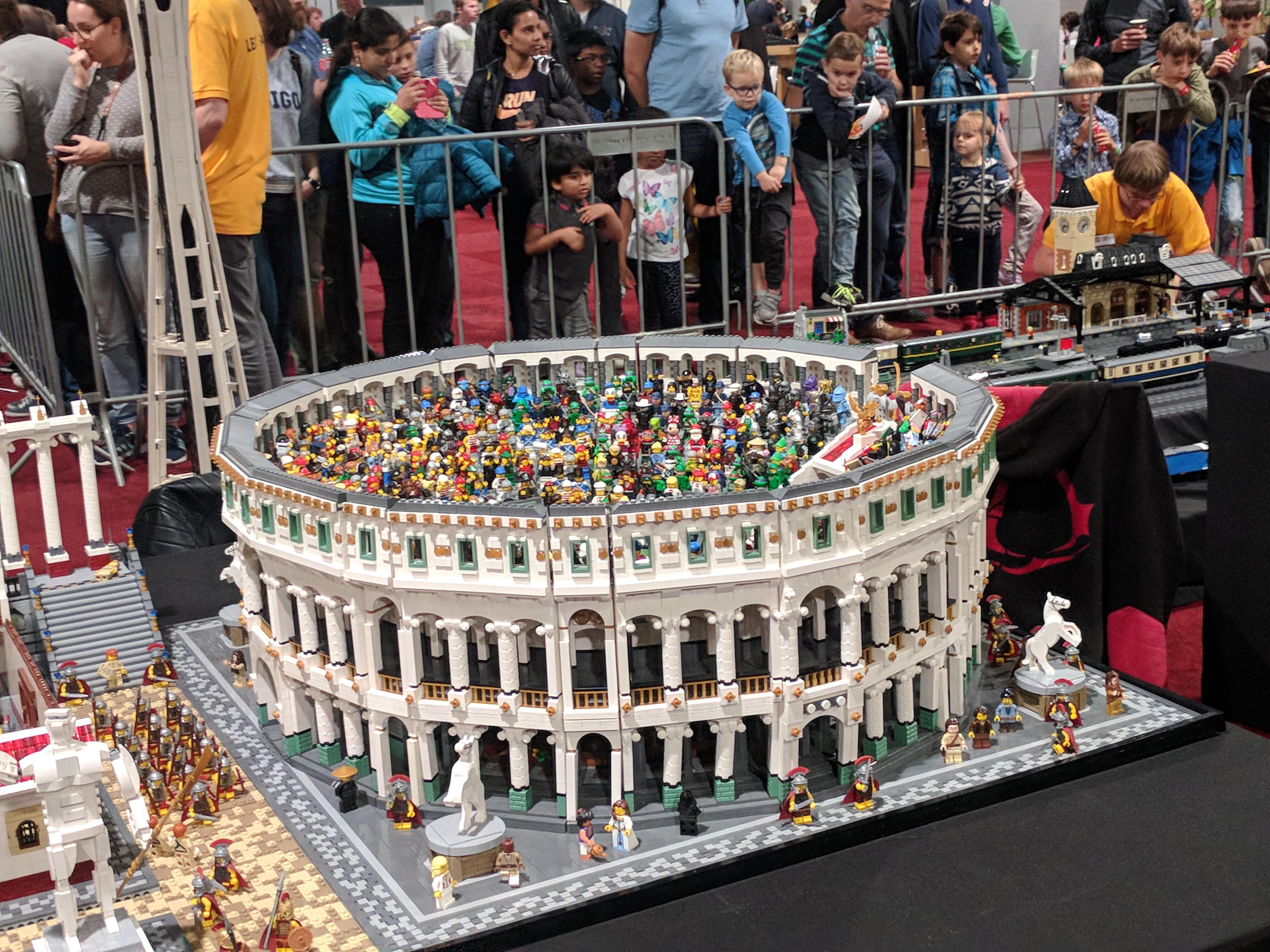 Lego World Collosseum