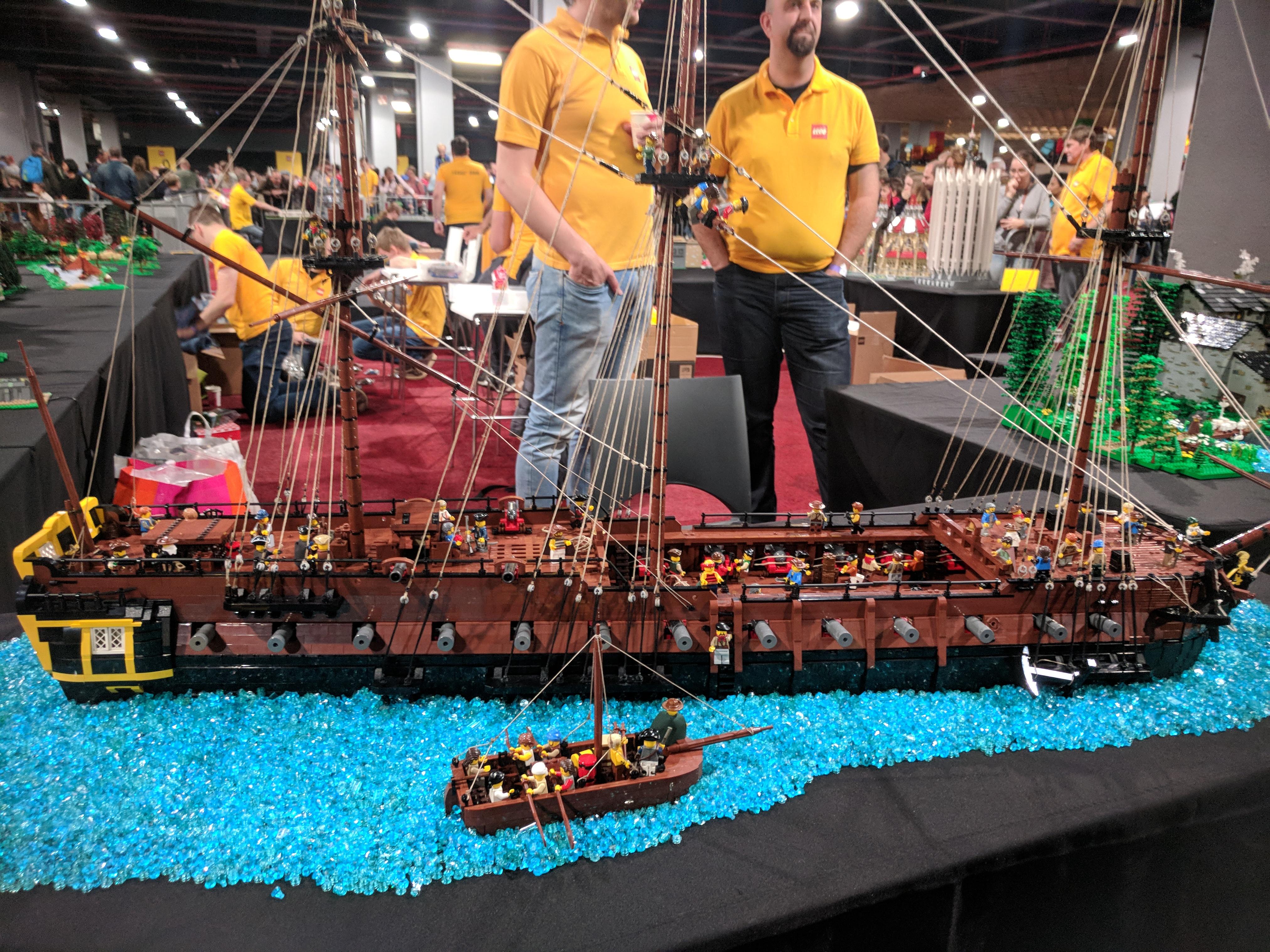 Lego World Boot