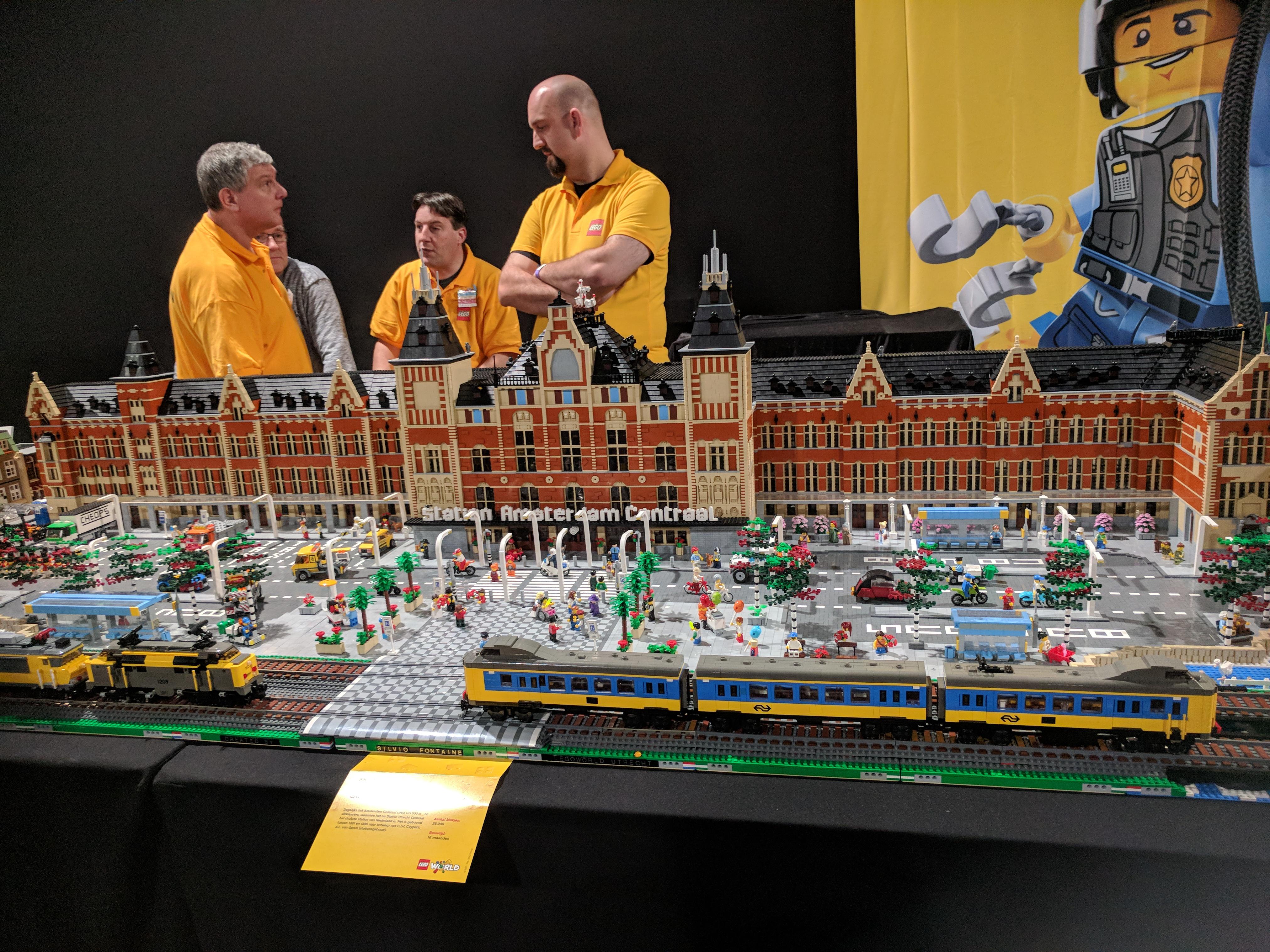Amsterdam Centraal Lego World 2017
