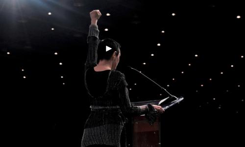 Anthony Bourdain kookte dit weekend voor deze slachtoffers van Harvey Weinstein