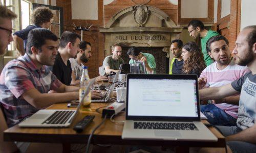 Hack Your Future leert vluchtelingen zichzelf te helpen door te programmeren