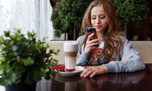 Meer tijd op social media betekent niet minder face-to-face contact