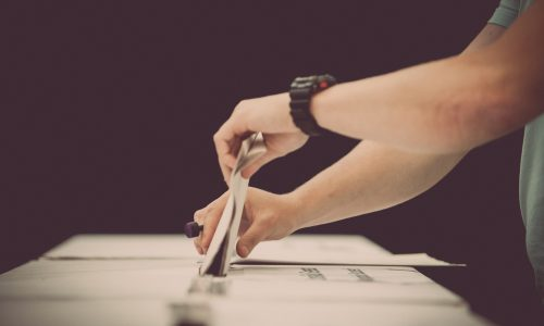 Dit moet je weten over de sleepwet voordat je gaat stemmen op 21 maart