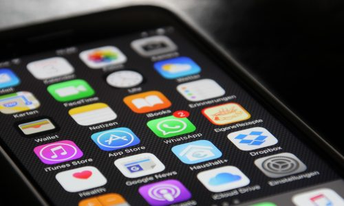 Smartphone op school gebruiken? In Frankrijk is dat nu verboden