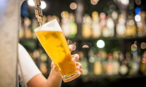 Gelukkig maar: Zó slecht is dat glaasje alcohol nou ook weer niet voor je