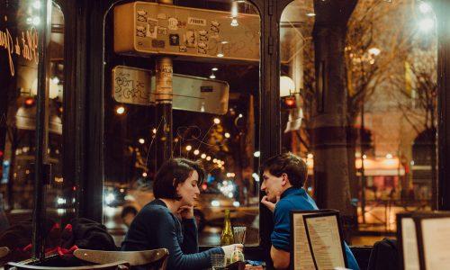 Zien we de gevaren van online daten over het hoofd?