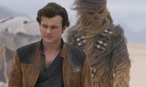 Alden Ehrenreich zet in Solo: A Star Wars Story een geweldige Han Solo neer