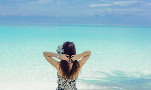 Zonnebaders opgelet: niet alle zonnebrandsprays bieden voldoende bescherming
