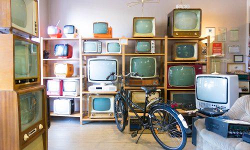 Televisie blijft nog steeds onmisbaar voor Nederlandse jongeren