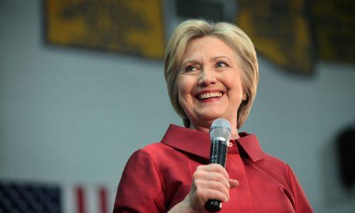 Hillary Clinton maakt samen met Steven Spielberg serie over stemrecht vrouwen