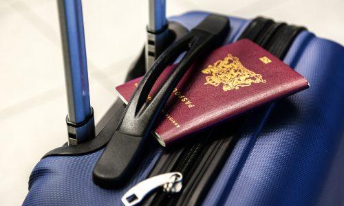 Eerste genderneutrale paspoort in Nederland is voor Bredase Leonne Zeegers