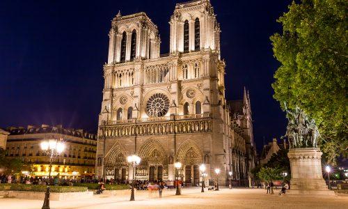 Kan het spel Assassin's Creed helpen bij de wederopbouw van de Notre-Dame?