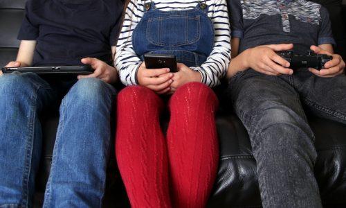 WHO adviseert maximaal een uur schermtijd voor jonge kinderen