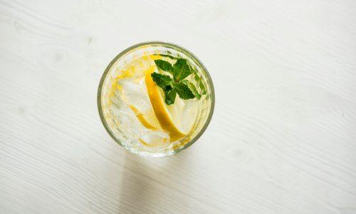 Blijven drinken tijdens de hitte: zo pak je dat milieuvriendelijk aan