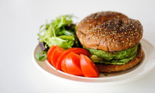 Vleesvervangers steeds populairder: 40% van de huishoudens eet het