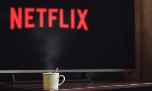 We bingewatchen tegenwoordig liever dan dat we televisie kijken