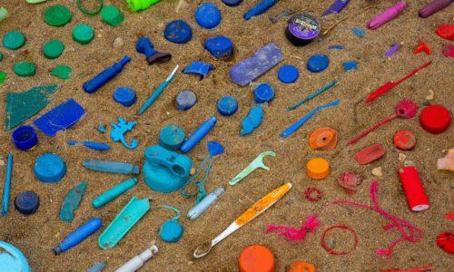 13 landen en 66 bedrijven slaan handen ineen om plastic afval te minderen