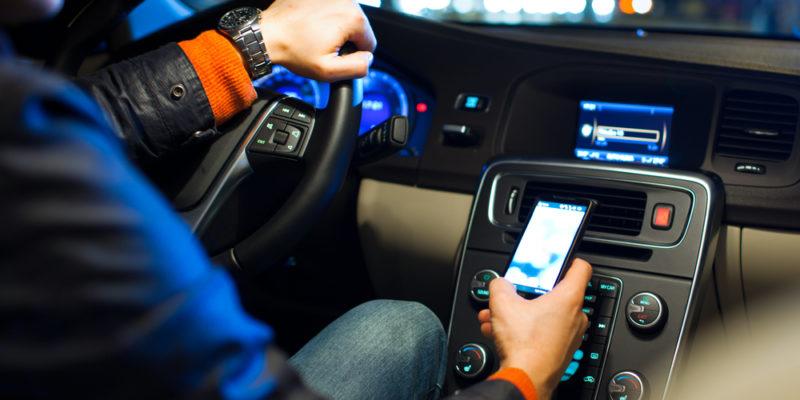 smartphone, verkeer, mobiele telefoon