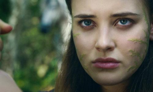 Zien: Eerste trailer van Cursed met 13 Reasons Why-ster Katherine Langford