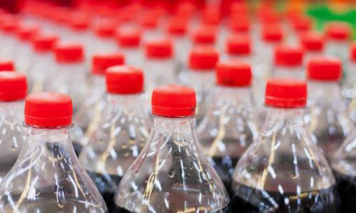 Coca-Cola Nederland gaat al zijn flessen van gerecycled plastic maken
