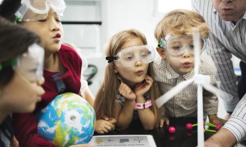 Onderzoek: onderwijs veroorzaakt verschil in loopbaan tussen jongens en meiden